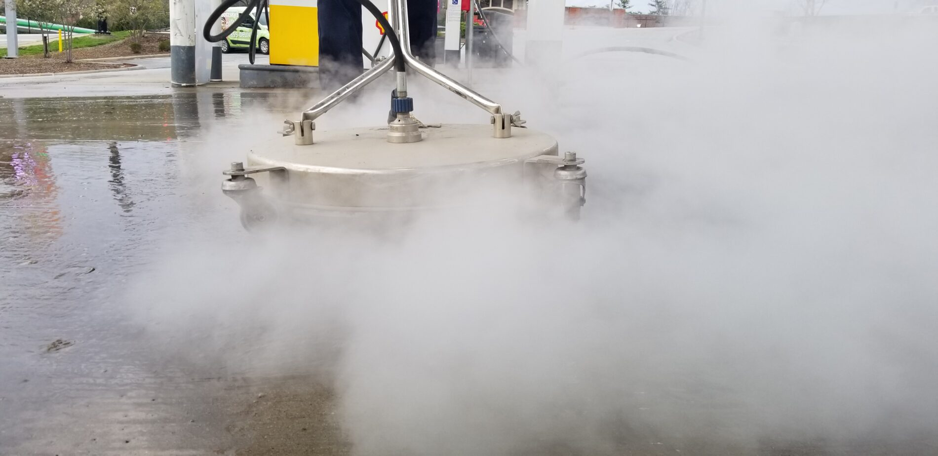 Pressure Cleaning Gas Station